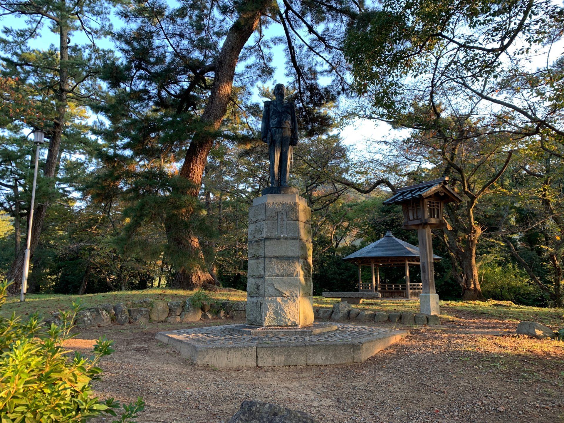 第80代出雲国造・千家尊福公の銅像