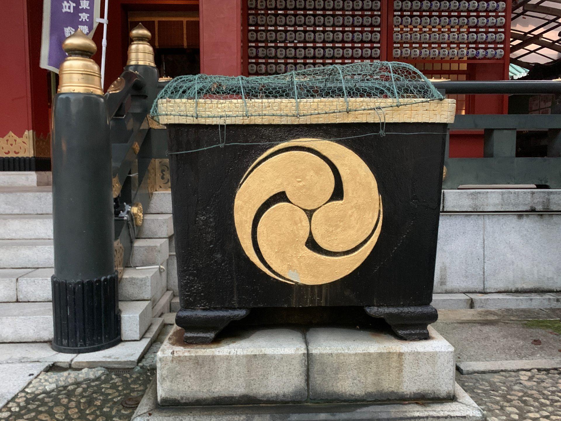 神田明神の鉄製天水桶