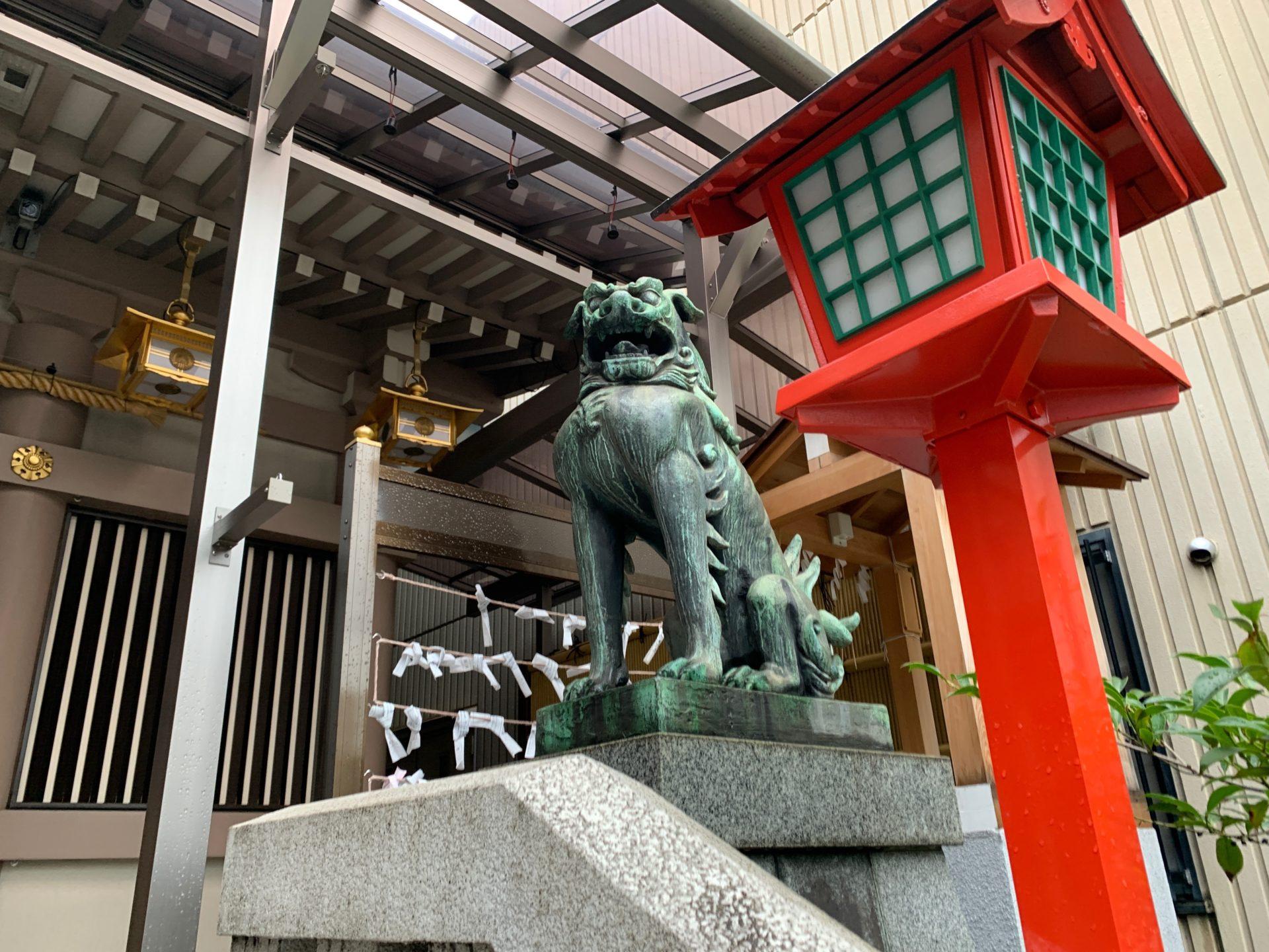 十番稲荷神社の狛犬(阿形)