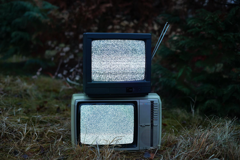 映らないテレビ