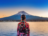 富士山と女性
